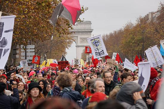 Arc de Triomphe Climate Rally